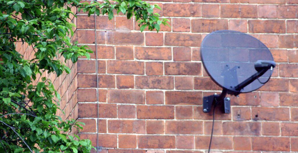 sky tv dish installer Walsall West Midlands
